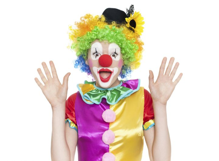 Woman clown – Keeping kids entertained and the boredom at bay